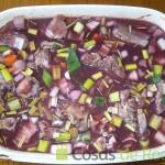 Dejamos macerando las verduras y el rabo de buey desde la noche anterior