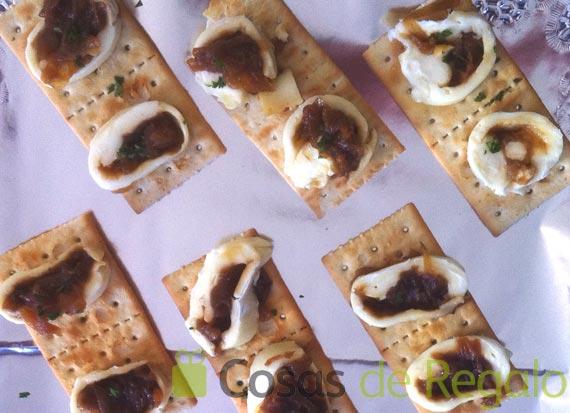 Receta de aperitivo de Queso Brie con cebolla confitada