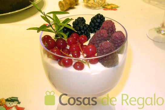 Receta de crema muselina con frutos rojos