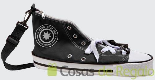 Bolsos Star College, con aspecto de zapatilla de deporte