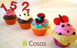 Receta de Cupcakes o pastelitos de San Valentín con piruletas de caramelo
