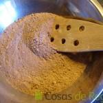 08- Los ingredientes secos para la base de Cupcakes de chocolate