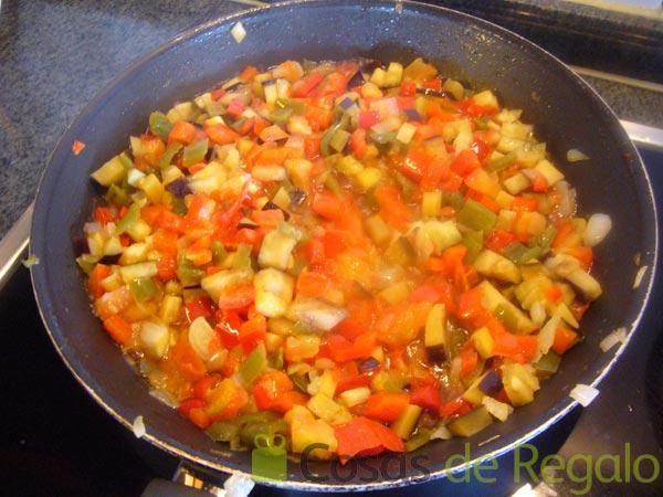 C mo cocinar un bacalao con pisto y huevo frito de manera for Como cocinar lomos de bacalao