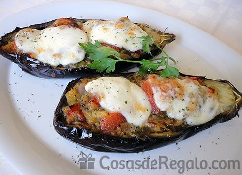 Berenjenas rellenas de verdura con mozzarella una receta for Como cocinar la berenjena