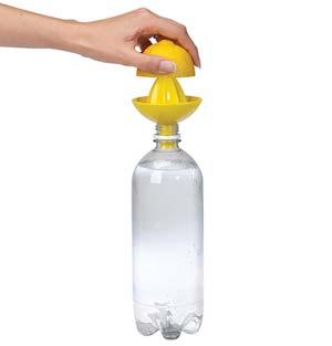 Exprimidor de naranjas y limones para botellas de refresco