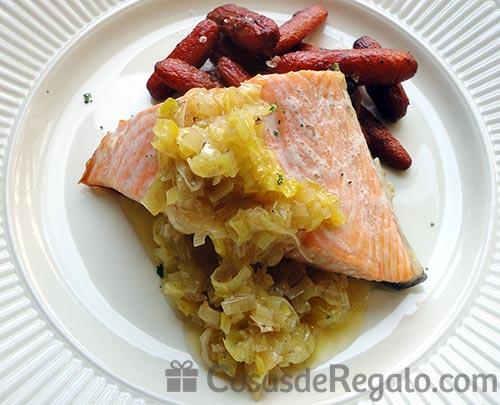 Receta de Salmón con puerro y zanahoria