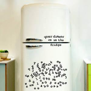 Escribe mensajes en tu nevera con el abecedario magnético