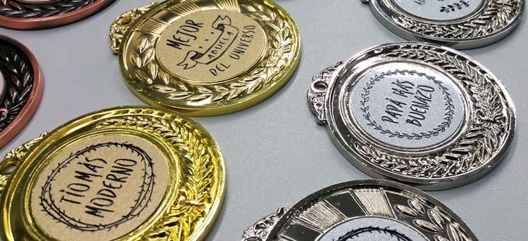 Entrégate una medalla o regálala: ¡un detalle muy divertido!