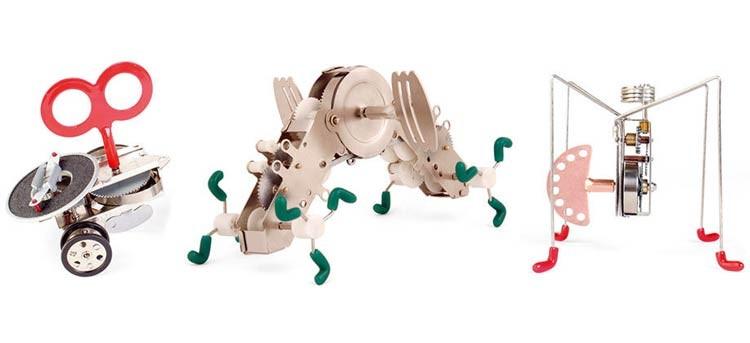 Juguetes con estilo vintage: robots a cuerda de Kikkerland